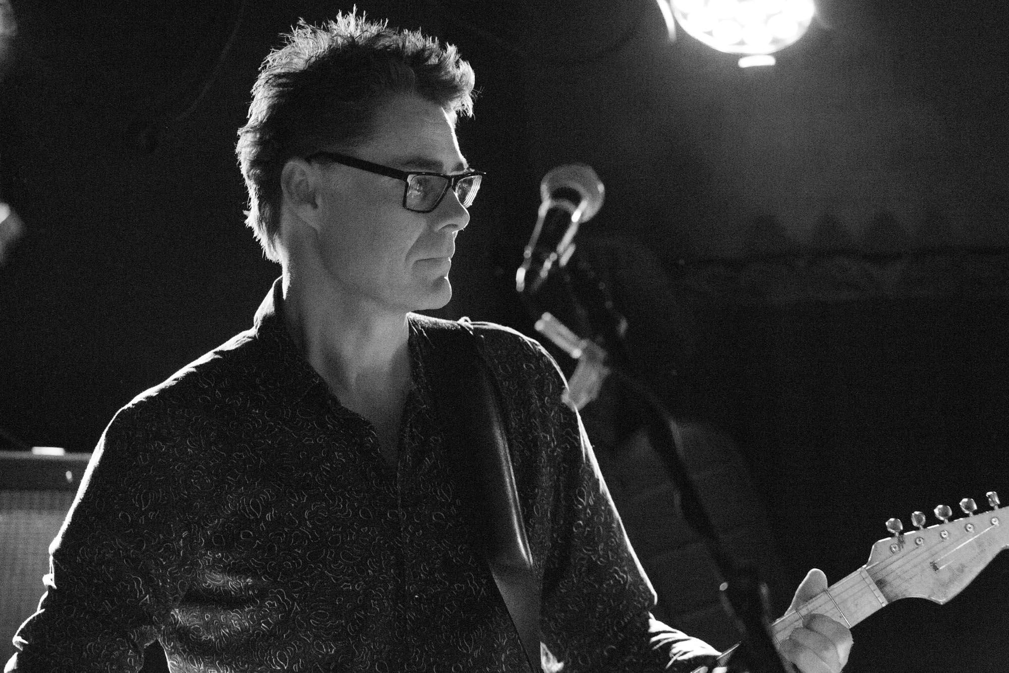 Guitarist optræder med Nordal Twang